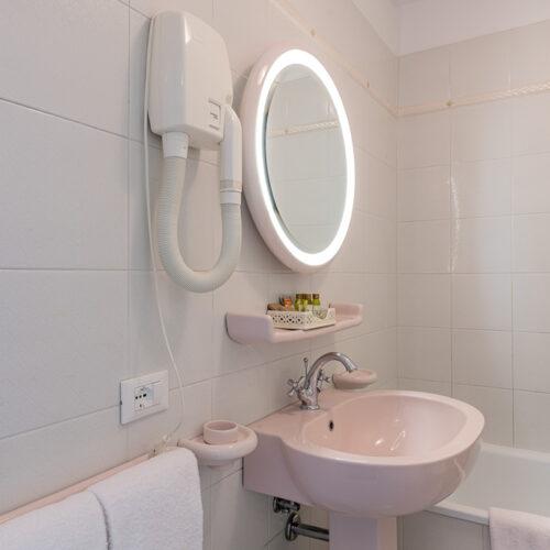 Junior Suite - Bagno con vasca